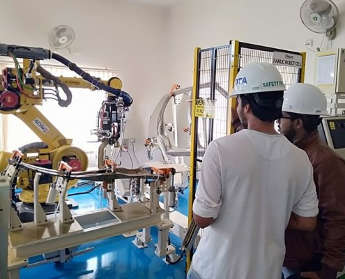 training trainees robot 4